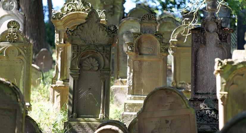 Führung in der ehem. Synagoge Michelbach/Lücke und auf dem Jüdischen Friedhof